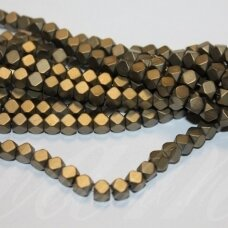 jsha-hak-mat-kub2-03x3 apie 3 x 3 mm, kubo forma, nuleisti kampai, matinė, haki spalva, hematitas, apie 130 vnt.