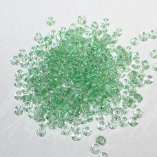 pccb00850-10/0 2.2 - 2.4 mm, apvali forma, skaidrus, viduriukas žalia spalva, apie 50 g.
