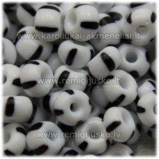 PCCB03590-04/0 4.8 - 5.3 mm, apvali forma, balta spalva, juoda spalva, margas, apie 50 g.