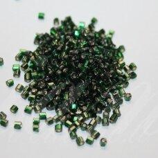 pccb31001/57150-10/0 2.2 x 2 mm, pailga forma, skaidrus, žalia spalva, viduriukas su folija, apie 50 g.