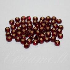 pccb331/29001/97090-11/0 2.0 - 2.2 mm, apvali forma, skaidrus, raudona spalva, kvadratinė skylė, viduriukas su folija, apie 50 g.