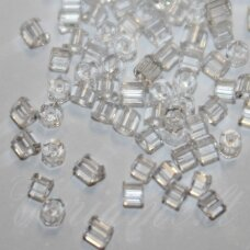 pccb351/31001/00050-09/0 2.4 x 2.4 mm, pailga forma, skaidrus, apie 50 g.