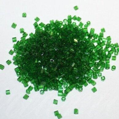 pccb31001/50120-10/0 2.2- 2.0 mm, pailga forma, žalia spalva, apie 50 g,