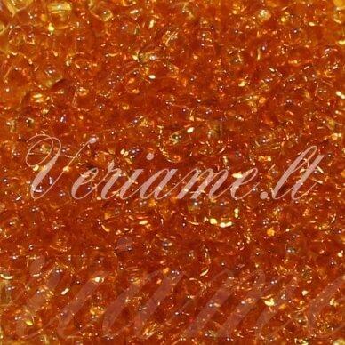 pccb331/29001/10050-09/0 2.4 - 2.8 mm, skaidrus, ruda spalva, kvadratinė skylė, apie 50 g.