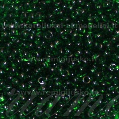 PCCB331/29001/50060-09/0 2.4 - 2.8 mm, apvali forma, žalia spalva, kvadratinė skylė, apie 50 g.