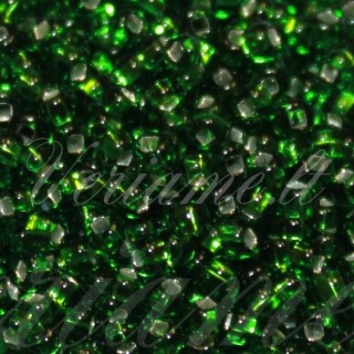 pccb331/29001/57120-09/0 2.4 - 2.8 mm, apvali forma, žalia spalva, kvadratinė skylė, viduriukas su folija, apie 50 g.