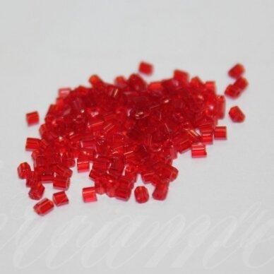 PCCB351/31001/90090-10/0 2.2 x 2 mm, pailga forma, skaidrus, raudona spalva, apie 50 g.