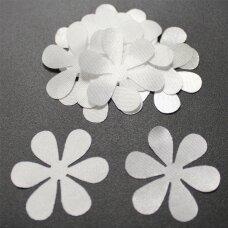 atl0033-gel-43x43 apie 43 x 43 mm, gėlytės forma, balta spalva, atlasas, 10 vnt.