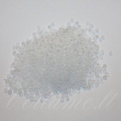 bis0001 m-12/0 1.8 - 2.0 mm, apvali forma, skaidri, matinė, balta spalva, apie 50 g.