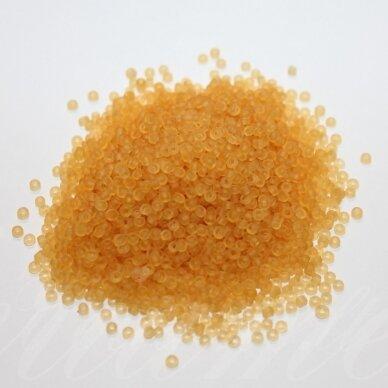 bis0002 m-12/0 1.8 - 2.0 mm, apvali forma, gelsva spalva, apie 50 g.