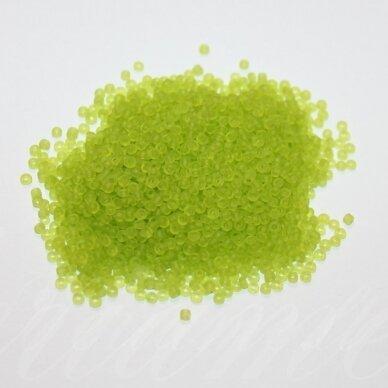 bis0004m-12/0 1.8 - 2.0 mm, apvali forma, matinė, šviesi, žalia spalva, apie 50 g.