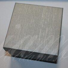 dz0037-kvad-50x50x35 apie 50 x 50 x 35 mm, kvadrato forma, sidabrinė spalva, dovanų dėžutė, 1 vnt.