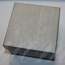 dz0037-kvad-90x90x50 apie 90 x 90 x 50 mm, kvadrato forma, sidabrinė spalva, dovanų dėžutė, 1 vnt.