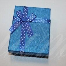 dz0041-stat-90x70x25 apie 90 x 70 x 25 mm, stačiakampio forma, mėlyna spalva, juostelė su taškeliais, dovanų dėžutė, 1 vnt.