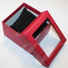 dz0059-kvad-90x90x50 apie 90 x 90 x 50 mm, kvadrato forma, raudona spalva, skaidrus langelis, dovanų dėžutė, 1 vnt.