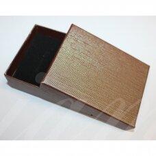 dz0104-stat-90x70x30 apie 90 x 70 x 30 mm, stačiakampio forma, tamsi, ruda spalva, dovanų dėžutė, 1 vnt.