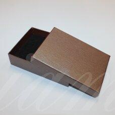 dz0104-stat-110x80x30 apie 110 x 80 x 30 mm, stačiakampio forma, tamsi, ruda spalva, dovanų dėžutė, 1 vnt.
