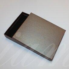 dz0104-stat-190x160x30 apie 190 x 160 x 30 mm, stačiakampio forma, tamsi, ruda spalva, dovanų dėžutė, 1 vnt.