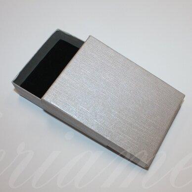 dz0037-stat-110x80x30 apie 110 x 80 x 30 mm, stačiakampio forma, sidabrinė spalva, dovanų dėžutė, 1 vnt.