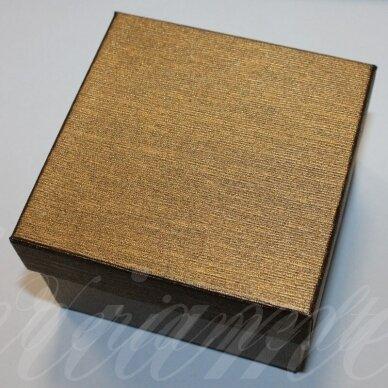 dz0048-kvad-90x90x30 apie 90 x 90 x 30 mm, kvadrato forma, šviesi, ruda spalva, dovanų dėžutė, 1 vnt.