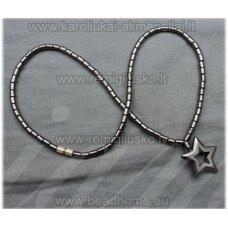hvp0002 apie 40 cm, hematitas, kaklo vėrinys, žvaigždės forma, pakabukas, 1 vnt.