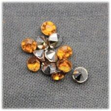 IKP0006 apie 3 x 2 mm, inkrustuojama akrilinė akutė, skaidri, geltona spalva, apie 500 vnt.