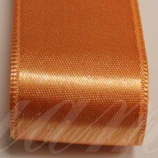J0361 apie 38 mm, šviesi, oranžinė spalva, atlasinė juostelė, 1 m.