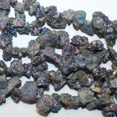 jsagdr0160-net-10x10-15x20 mm, netaisyklinga forma, margas, agatas (druzy), apie 35 cm.