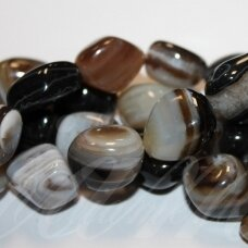 jskaa0500-net-10x10-25x25 about 10 x 10 - 25 x 25 mm, irregular shape, colourful, light brown color, agate, about 40 cm.