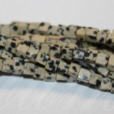 jskaja-dalm-kub-04x4 apie 4 x 4 mm, kubo forma, dalmantininis jaspis, apie 90 vnt.