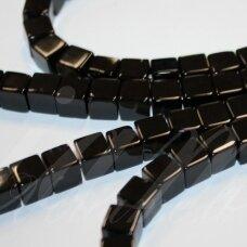 JSKAON-KUB1-06x6 apie 6 x 6 mm, kūbo forma, oniksas, apie 62 vnt.
