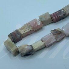 jsrozop-net4-10x9-15x11 apie 10 x 9 - 15 x 11 mm, netaisyklinga forma, rožinis opalas, apie 38 cm.