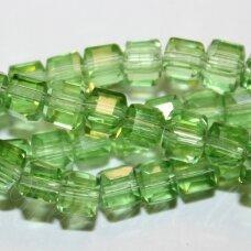 jssw0023gel-kub1-06x6 apie 6 x 6 mm, kubo forma, skaidrus, šviesi, žalia spalva, stikliniai / kristalo karoliukai, apie 100 vnt.