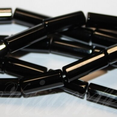 jskaon-cil-br-08x4 apie 8 x 4 mm, cilindro forma, briaunuotas, oniksas, apie 48 vnt.