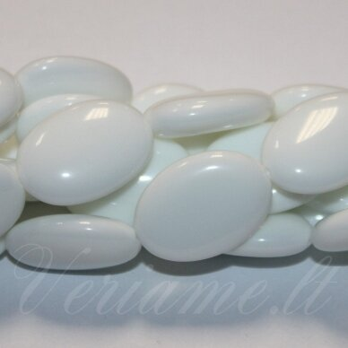JSKAZA-BALT-OVAL-25x18x8 apie 25 x 18 x 8 mm, ovalo forma, balta spalva, žadeitas, 16 vnt.