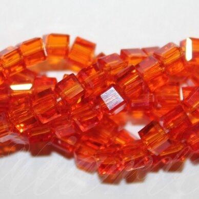 jssw0015gel-kub1-04x4 apie 4 x 4 mm, kubo forma, skaidrus, raudona spalva, stikliniai / kristalo karoliukai, apie 100 vnt.