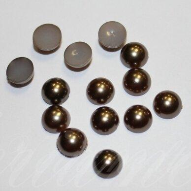 kab-akr17-disk-06.8x3.2 apie 6.8 x 3.2 mm, disko forma, ruda spalva, akrilinis kabošonas, apie 130 vnt.