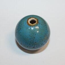 ker0068-apv-27-29 apie 27-29 mm, apvali forma, mėlyna spalva, marga, keramikiniai karoliukai, 1 vnt.