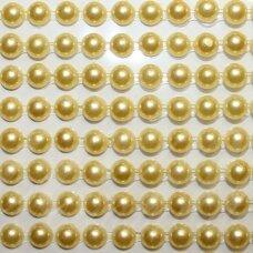 klap0028, perliuko skersmuo 5 mm, geltona spalva, klijuojamas akrilinis perliukas, 22 juostelės po 15 vnt.