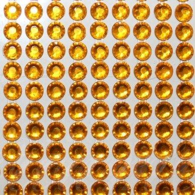 kla0009, akutės skersmuo 6 mm, geltona spalva, klijuojama akrilinė akutė, 36 juostelės po 14 vnt.