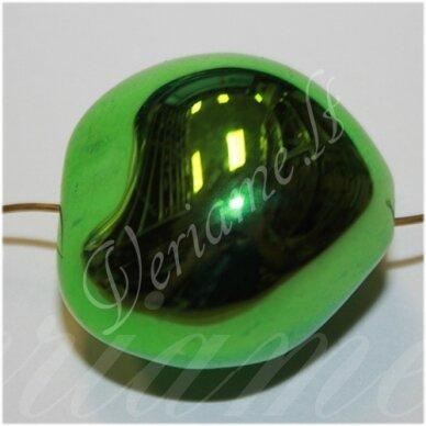 kpv0611 apie 26 x 25 x 21 mm. netaisyklinga forma, žalia spalva, plastikinis karoliukas, 1 vnt.