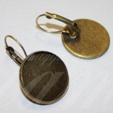 md1921.2 apie 32 x 20 mm, žalvario spalva, auskaro detalė, tinka 18 mm disko formos kabošonui, 2 vnt.