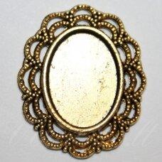 md2244.5 apie 29 x 24 mm, rėmelis, auksinė spalva, tinka 18 x 13 mm ovalo formos kabošonui, 3 vnt.