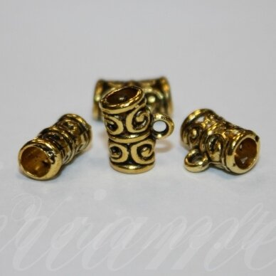 md3122.3 apie 11 x 9 x 5.5 mm, skylė 3.5 mm, sendinta auksinė spalva, pakabuko detalė, 8 vnt.