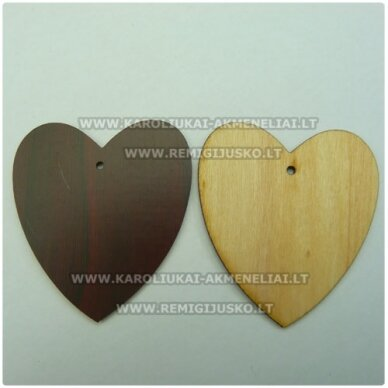 med0049 apie 58 x 52.5 x 2 mm, medinis pakabukas, širdutės forma, 1 vnt.