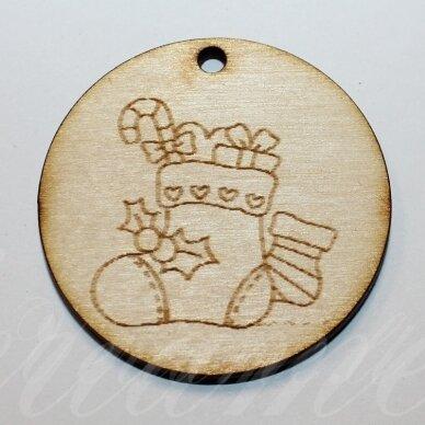 med0059 apie 50 x 4 mm, apvali forma, kojinė, medinis pakabukas, 1 vnt.