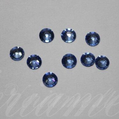mklsw0211 ss16 apie 3.80 - 4.00 mm, light sapphire (211), klijuojama akutė, apie 75 vnt.