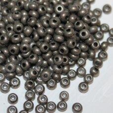 pccb00196-10/0 2.2 - 2.4 mm, apvali forma, matinė, tamsi, pilka spalva, apie 50 g.