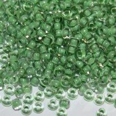 pccb00231-10/0 2.2 - 2.4 mm, apvali forma, skaidrus, viduriukas žalia spalva, apie 50 g.