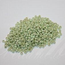 PCCB00237-09/0 2.4 - 2.8 mm, apvali forma, žalia spalva, apie 50 g.